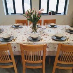 גדלנו בבית מתוקתק שאין לתאר. אמא שלנו הייקית ערכה בימי חמישי שולחן לשבת. עם שלוש…